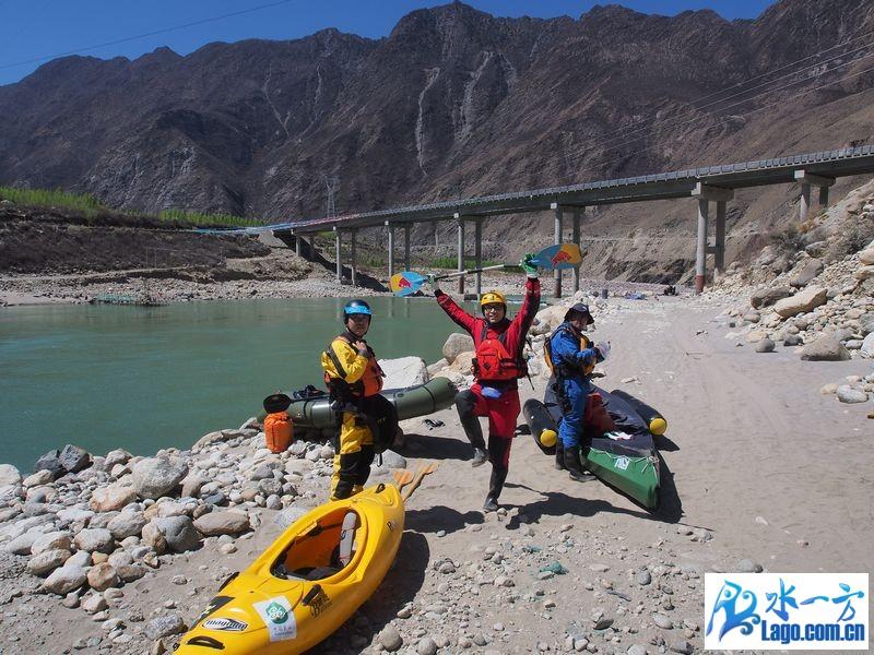 带上百途皮划艇和婚纱去西藏旅行